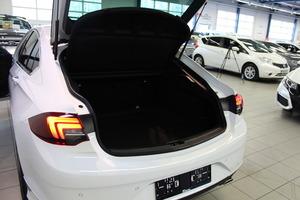 Opel INSIGNIA Grand Sport Innovation Plus 200 Turbo A, vm. 2019, 2 tkm (10 / 17)