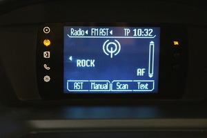 Ford C-Max 1,6 Flexifuel 120 hv Titanium M5 5-ovinen, vm. 2012, 85 tkm (17 / 20)