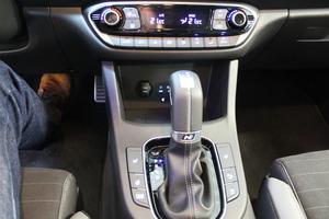 Hyundai i30 Fastback 1,4 T-GDI 140 hv 7DCT-aut N Line, vm. 2019, 5 tkm (9 / 11)