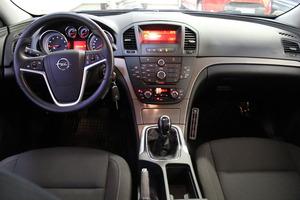 Opel Insignia 5-ov Edition 1,6 Turbo Ecotec 132kW MT6 BL, vm. 2010, 85 tkm (12 / 19)