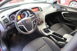 Opel Insignia 5-ov Edition 1,6 Turbo Ecotec 132kW MT6 BL, vm. 2010, 85 tkm (9 / 19)