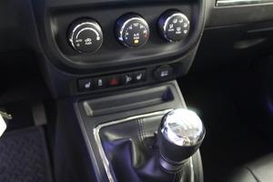 Jeep Compass 4x4 2,2 CRD Limited, vm. 2012, 84 tkm (11 / 13)
