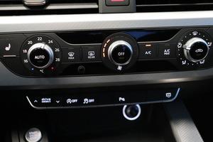 AUDI A4 Avant Business Sport 2,0 TDI 140 kW quattro S tronic, vm. 2018, 7 tkm (10 / 15)