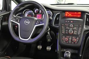 Opel Cascada 1,4 Turbo ecoFLEX Start/Stop 103kW MT6, vm. 2015, 39 tkm (13 / 15)
