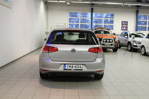 Volkswagen Golf Comfortline Edition 40 1,4 TSI 90 kW (122 hv) BMT DSG-automaatti 4-ovinen, vm. 2015, 103 tkm (6 / 15)