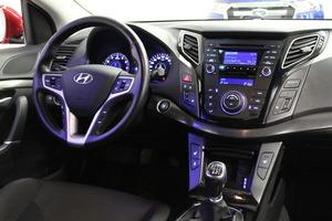 Hyundai i40 Wagon 1,6 GDI 6MT ISG Style, vm. 2014, 131 tkm (13 / 16)