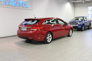 Hyundai i40 Wagon 1,6 GDI 6MT ISG Style, vm. 2014, 131 tkm (7 / 16)