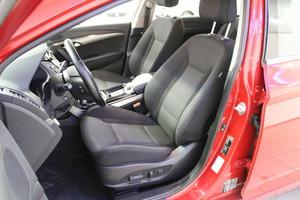 Hyundai i40 Wagon 1,6 GDI 6MT ISG Style, vm. 2014, 131 tkm (8 / 16)