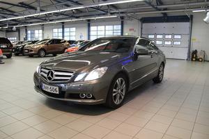 Mercedes-Benz E 350 CDI BE Coupé A *Suomi-auto, Täyd. huoltokirja*, vm. 2009, 140 tkm (3 / 17)