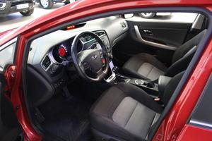 Kia cee'd 1,6 EX SW DCT A/T, vm. 2016, 36 tkm (8 / 18)