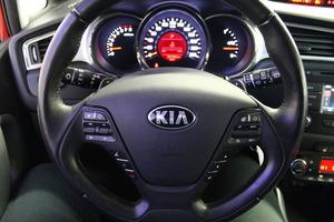 Kia cee'd 1,6 EX SW DCT A/T, vm. 2016, 36 tkm (9 / 18)