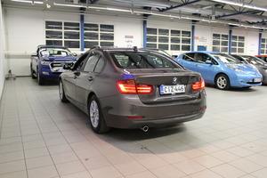 BMW 320 TwinPower Turbo A Limited xDrive Edition F30 Sedan, vm. 2013, 162 tkm (4 / 11)
