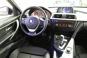 BMW 320 TwinPower Turbo A Limited xDrive Edition F30 Sedan, vm. 2013, 162 tkm (9 / 11)