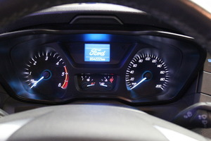 Ford Transit 350 2,0 TDCi 130 hv A6 Etuveto Trend L3H2, vm. 2017, 54 tkm (9 / 10)