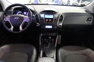 Hyundai ix35 4wd 2,0 CRDi-R 135kW 6AT Style, vm. 2010, 131 tkm (8 / 9)