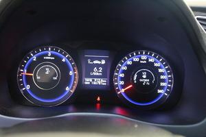 Hyundai i40 Wagon 1,7 CRDi 85kW 6MT ISG Style Business, vm. 2013, 137 tkm (11 / 12)