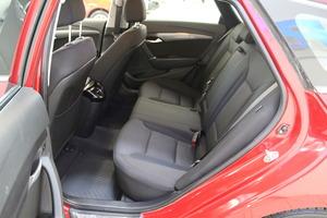 Hyundai i40 Wagon 1,7 CRDi 85kW 6MT ISG Style Business, vm. 2013, 137 tkm (7 / 12)