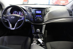 Hyundai i40 Wagon 1,7 CRDi 85kW 6MT ISG Style Business, vm. 2013, 137 tkm (8 / 12)