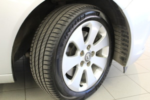 Opel Insignia Sports Tourer Edition 1,6 Turbo Ecotec 132kW/180hv M6 BL, vm. 2009, 134 tkm (9 / 12)