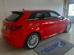 Audi A3 Sportback g-tron Business Sport S line Edition 1,4 TFSI CNG 81 kW S tronic, vm. 2016, 51 tkm (3 / 8)