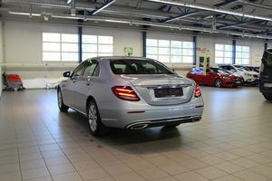 Mercedes-Benz E 200 A Business Elegance, vm. 2016, 15 tkm (4 / 15)