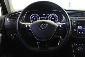 Volkswagen Tiguan R-Line 2,0 TDI SCR 140 kW (190 hv) 4MOTION DSG-automaatti, vm. 2017, 62 tkm (11 / 19)