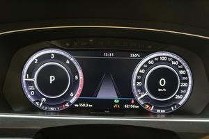 Volkswagen Tiguan R-Line 2,0 TDI SCR 140 kW (190 hv) 4MOTION DSG-automaatti, vm. 2017, 62 tkm (13 / 19)