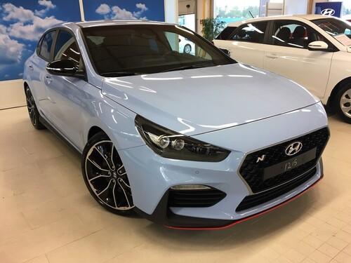 Hyundai i30 Fastback N 2,0 T-GDI 275 hv 6MT Performance Pack, vm. 2019, 0 tkm (1 / 8)