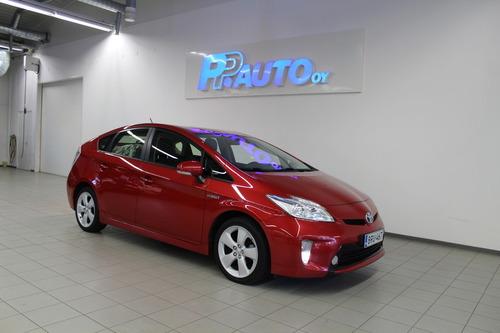 Toyota Prius Active, vm. 2015, 140 tkm (1 / 12)